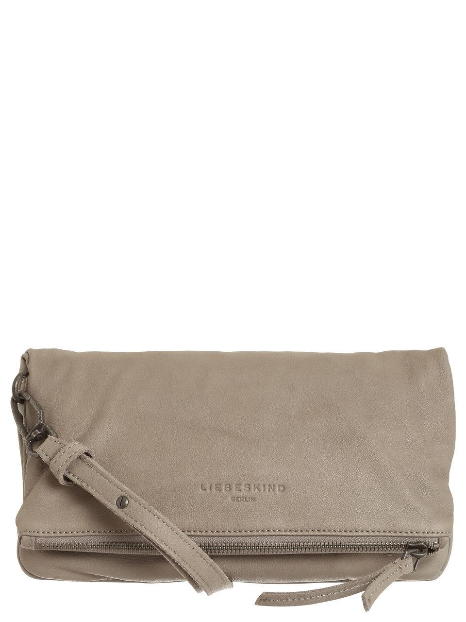 Artikel klicken und genauer betrachten! - Eine Handtasche, die alles kann! Die Clutch von Liebeskind mit Umschlag ist ein stylisches Accessoire und vielseitig tragbar! Ob als feminine Clutch in der Hand liegend, oder mit Lederriemen als kleinere Handtasche über der Schulter ist dieser Liebeskind-Entwurf ein feines Allround-Talent! Hochwertiges Leder macht die besondere Qualität aus: Investieren Sie in dieses hochwertige Casual-Piece mit Pfiff! Clutch von Liebeskind Monochromes Design Innenfutter unifarben Aufteilung in Hauptfach und ein Nebenfach Schließt mit Umschlag, Reißverschluss und Magnetknopf Zusätzliches Reißverschlussfach auf der Rückseite Abnehmbarer, verstellbarer Schultergurt Länge Schultergurt: 60 x 90 x120 cm Beschläge aus silberfarbenem Metall Logoprägung auf der Vorderseite Maße: 28 x 16 x 2 cm Innenfutter: Baumwolle Material: Leder Saison: Herbst / Winter Versand des Artikels / Ware erfolgt zügig dauert ca. 2 - 4 Werktage.  | im Online Shop kaufen
